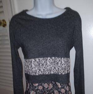 Bershka Gray floral top. GUC